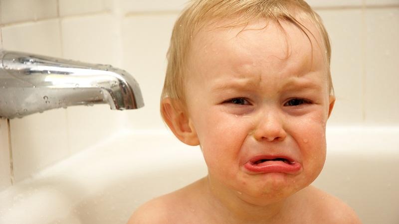 婴儿哭可爱图片