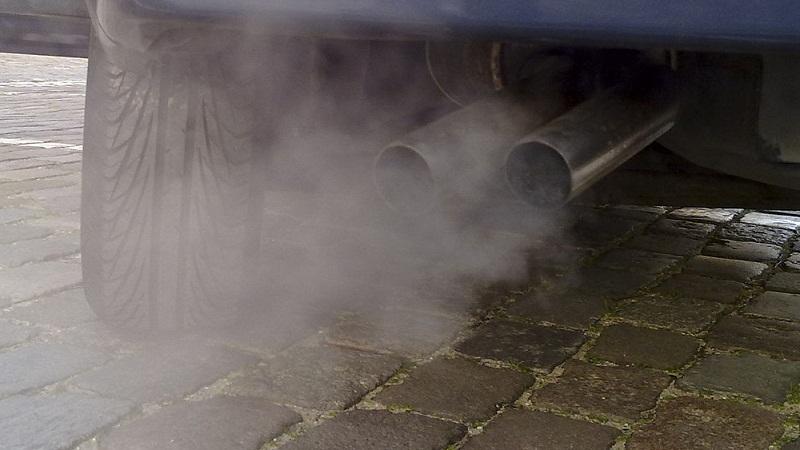 国内的汽车尾气排放标准却一直没能跟得上.