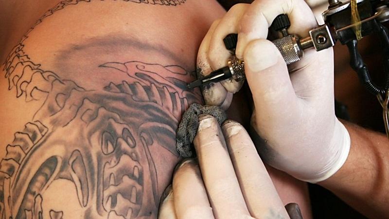 你需要知道的纹身风险